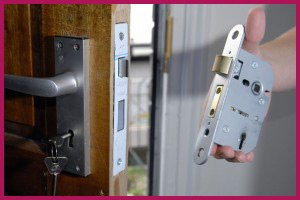 North Division WI Locksmith Store North Division, WI 414-389-8709